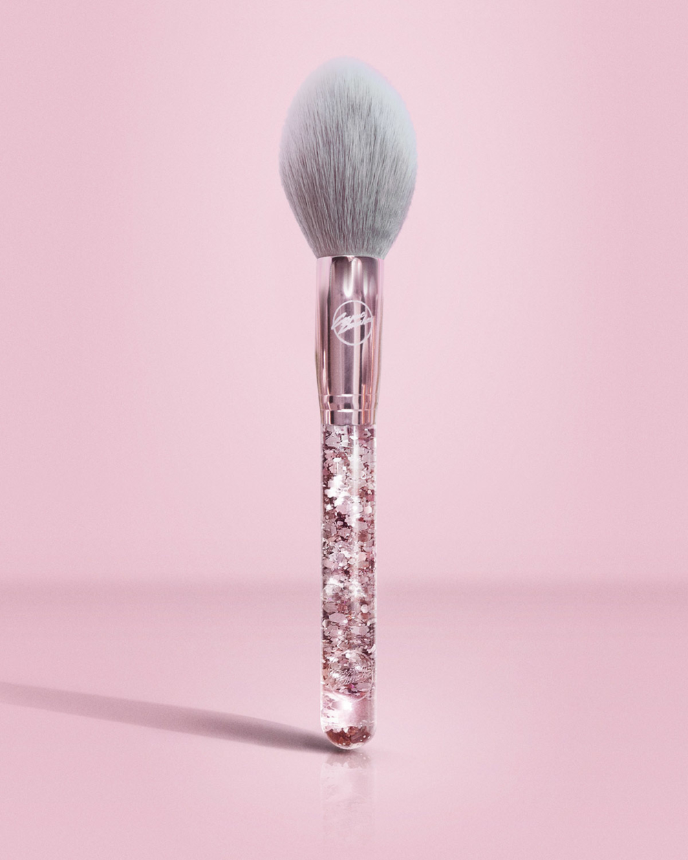 P05 Tapered Powder Brush